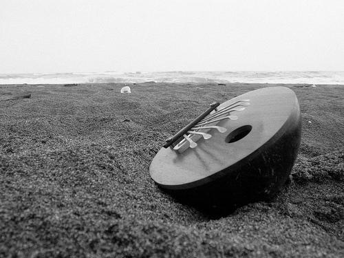 Kalimba sur la plage